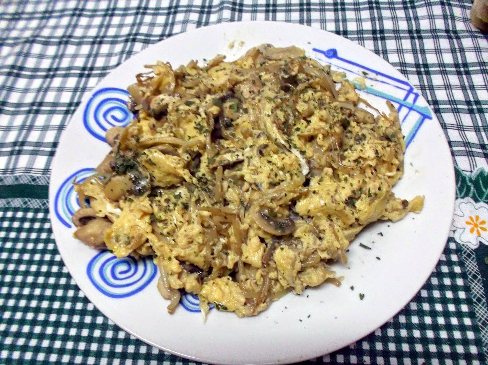 Ovos-Mexidos-Cogumelos-Frescos