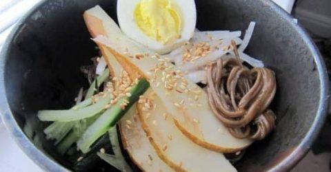 Bibim-Naeng-Myun-Noodles-Frios-Coreanos