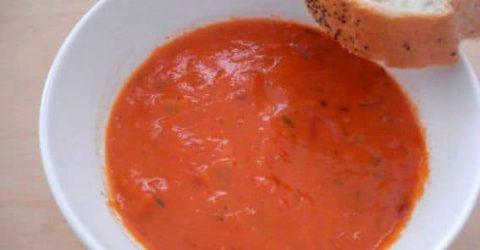 Receita-de-Sopa-de-Tomate-Endro-Pao