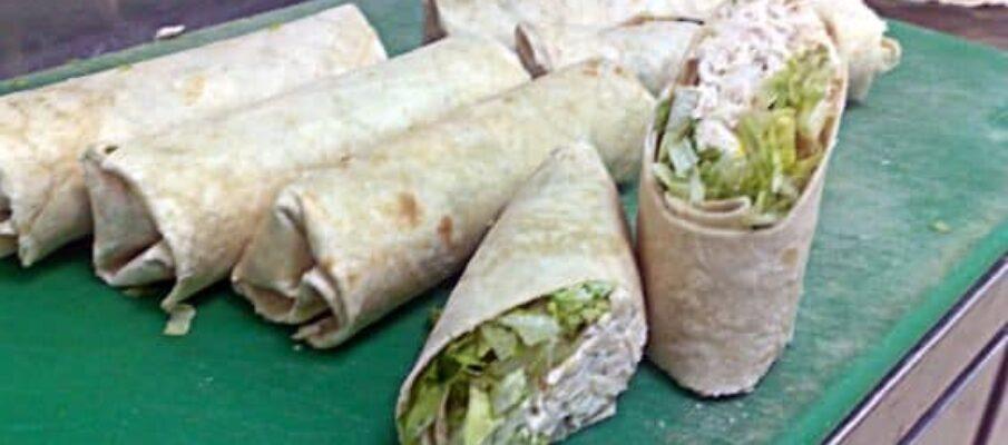 Rolos-de-Tortilha-de-Salada-Cesar-Frango